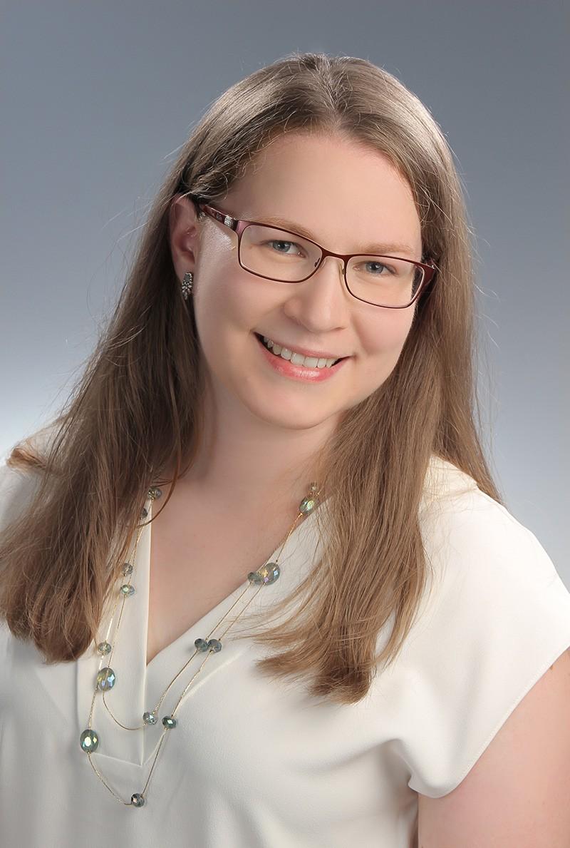 Dr. Demcsák Alexandra