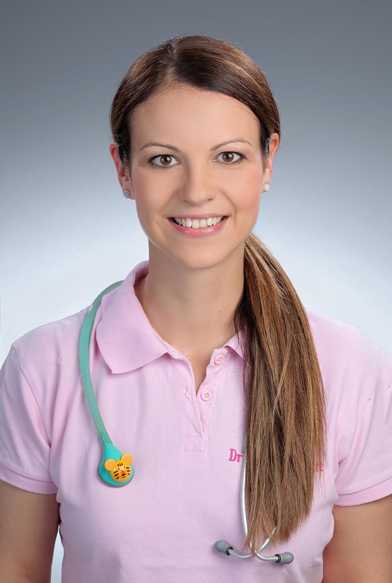 Dr. Tajti Zsanett